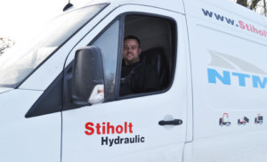 Servicebil for Stiholt Hydraulic Nørre Aaby 6442 4175